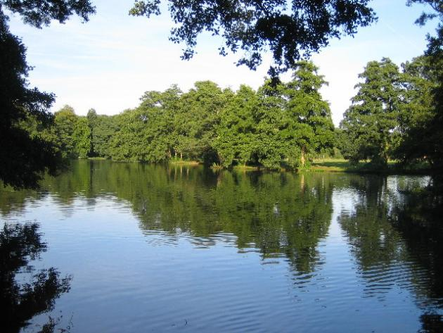 The Lake in Boultham Park geograph.org.uk 52578